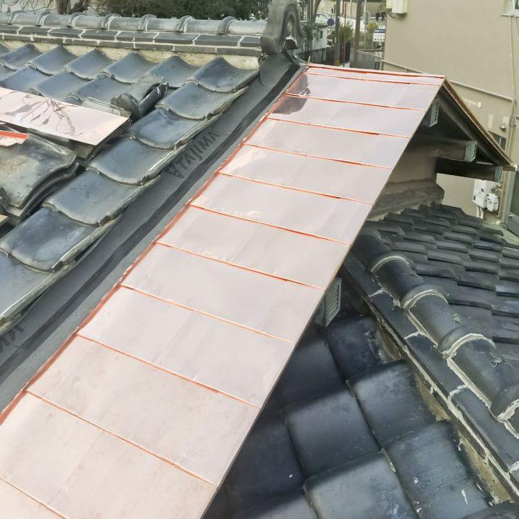銅板 額縁屋根 一文字葺き